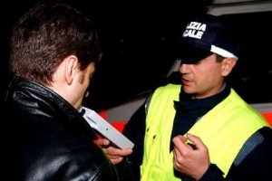 4632-etilometro-e-confisca-auto