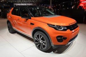 01-2015-land-rover-discovery-sport-paris-1