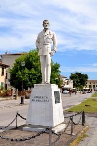 Bottrighe, Im monumento ad Umberto Maddalena in cattive condizioni