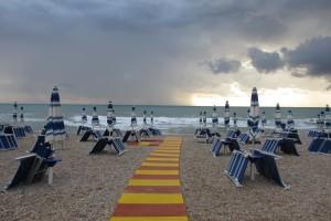 spiaggia maltempo