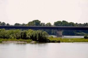 Bottrighe, l'isola sotto il ponte sul Po