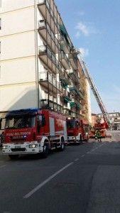 Incendio a Spinea in un appartamento al quinto piano