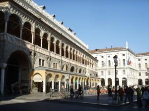 Padova,_palazzo_della_ragione_03