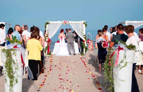 Matrimonio In Spiaggia Europa : La spiaggia di sottomarina presto location per matrimoni