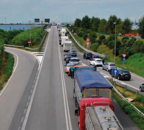 Traffico rallentato sulla Romea
