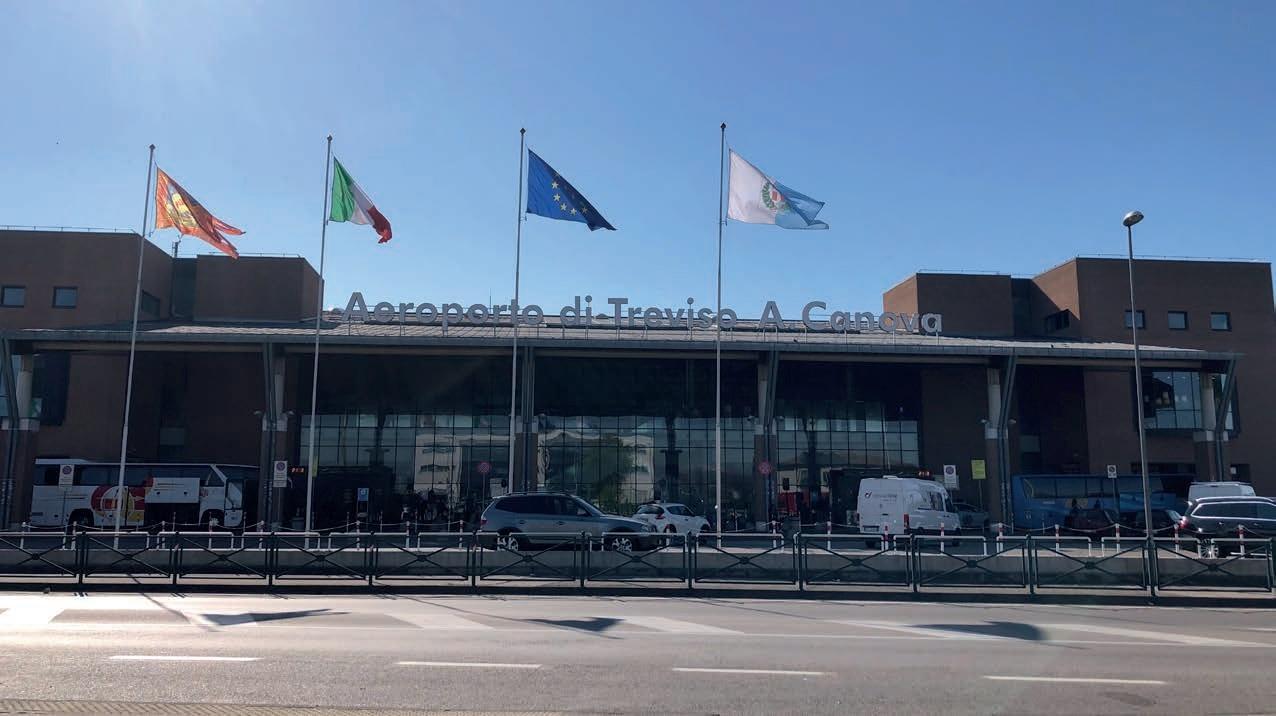 """Aeroporto """"Canova"""""""