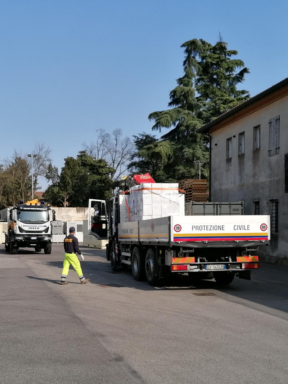 Il camion di mascherine partito dalla Regione Veneto