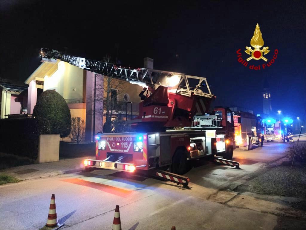 L'intervento dei pompieri a Borgoricco
