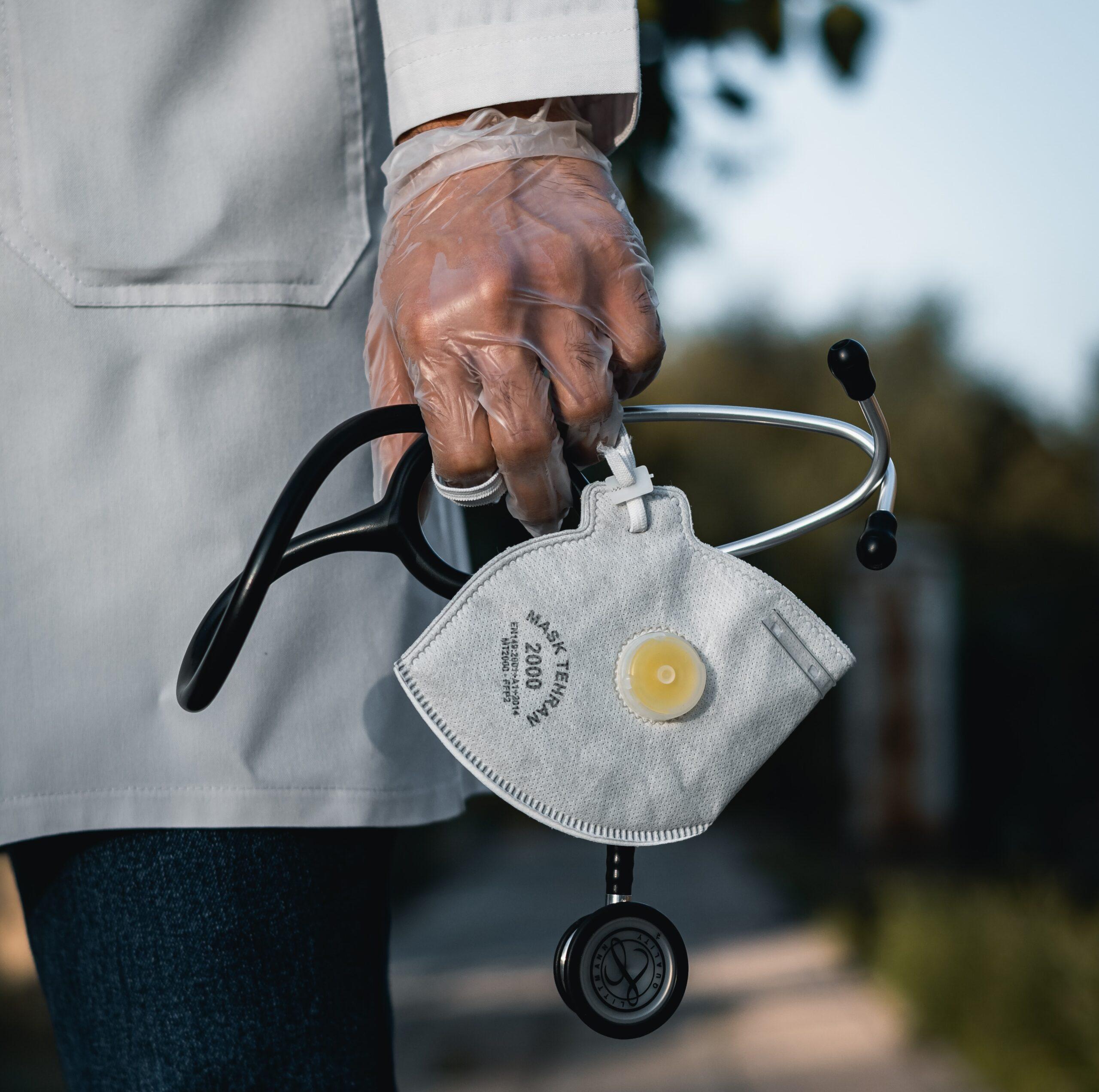 Medici di medicina generale somministrano tamponi rapidi