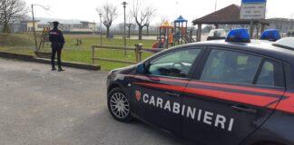 carabinieri al parco giochi