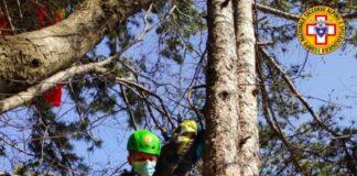 Soccorso Alpino sul Grappa salva pilota parapendio