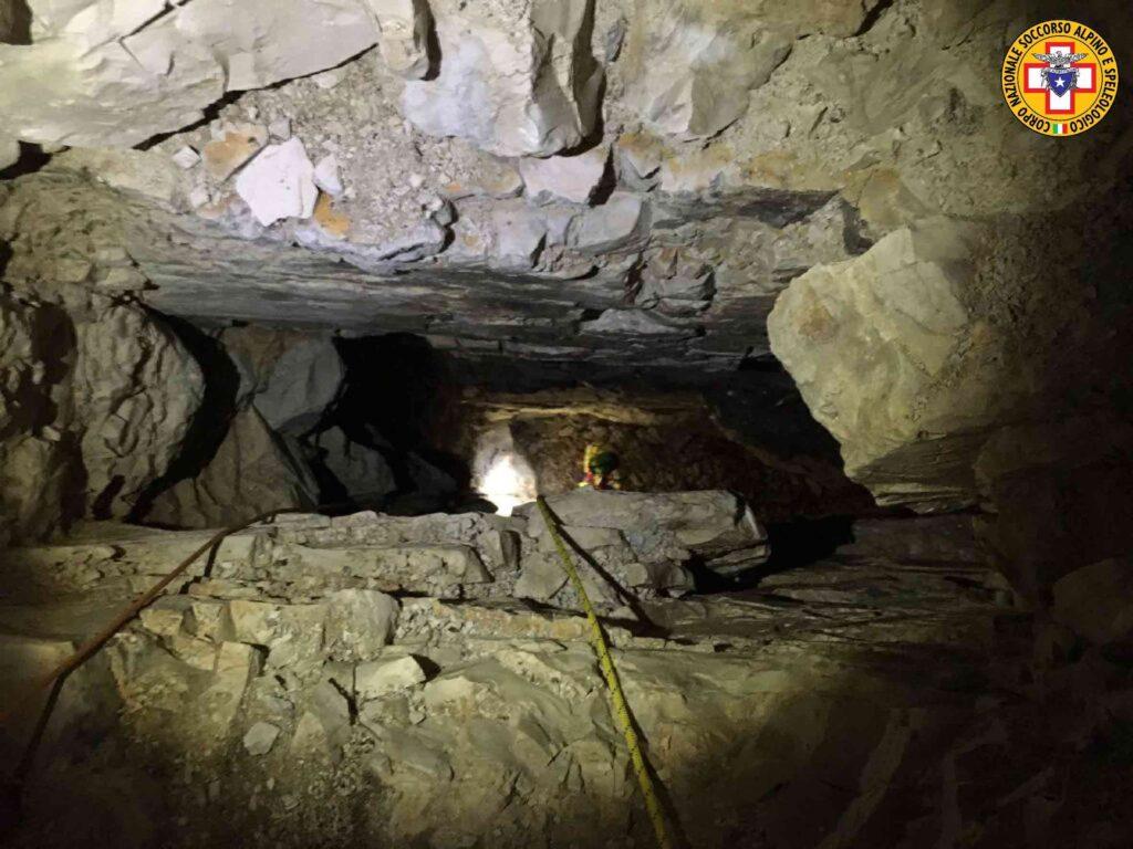 pozzo grotta grande guerra in Grappa