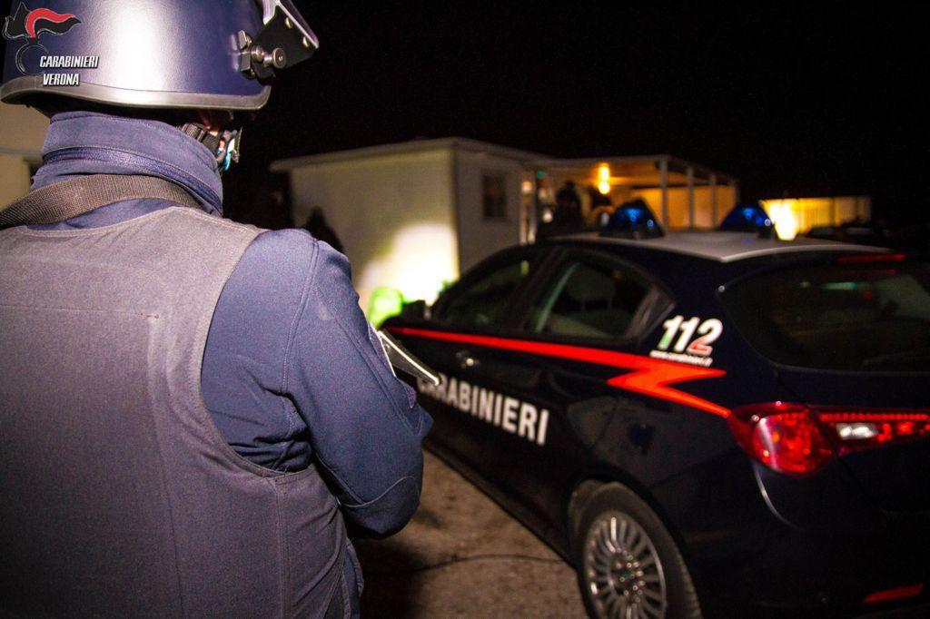 carabinieri in assetto operazione