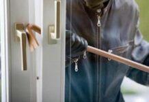 furto in casa finestra forzata