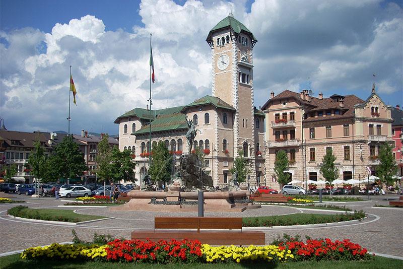 Asiago municipio piazza Carli