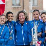 Ode19b_Le azzurrine con l'olimpionica Gabriella Dorio