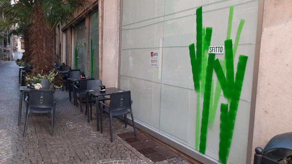 negozio sfitto in contrà Manin a Vicenza
