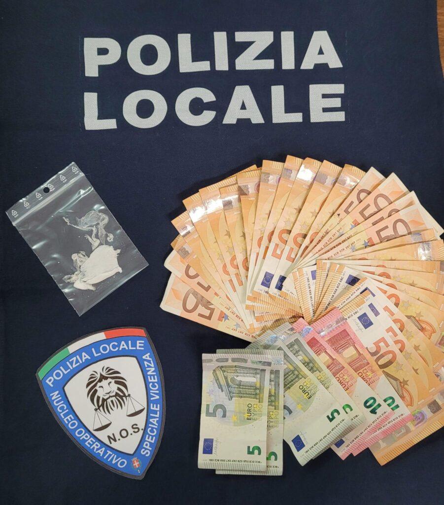 cocaina e soldi polizia locale sequestro